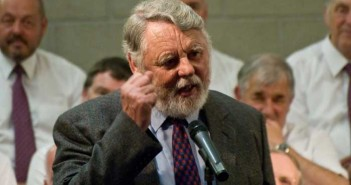 Terry-Waite-CBE