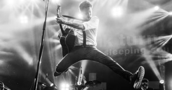 Frank Turner and the Sleeping Souls (2)